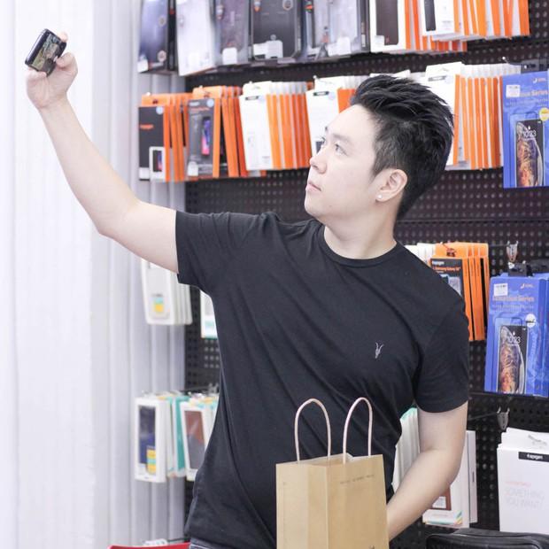 Hàng chục nghệ sỹ Việt đua nhau rinh iPhone 11, táo khuyết tại Việt Nam chưa bao giờ hết hot! - Ảnh 17.