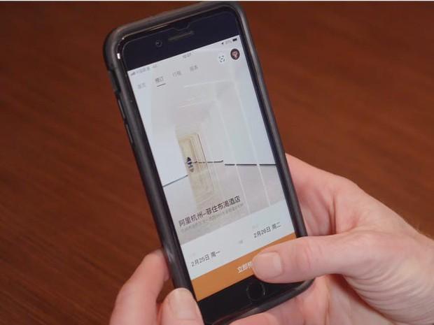 Ngợp mắt với khách sạn tương lai của ông trùm hàng đầu Trung Quốc, tràn ngập robot và công nghệ đầy nhà - Ảnh 5.