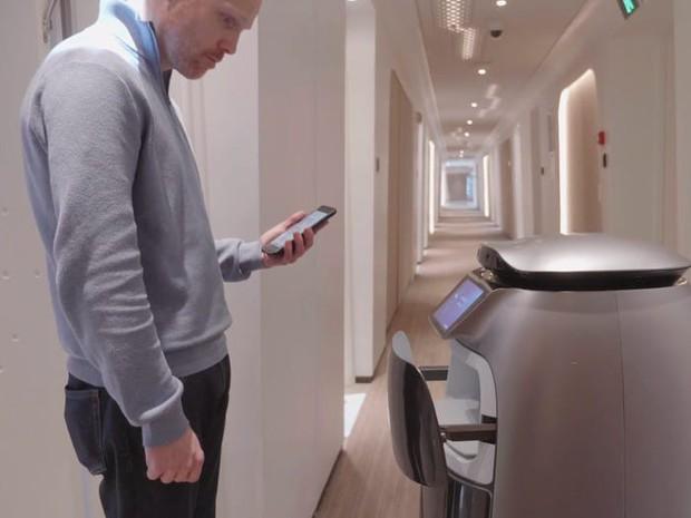 Ngợp mắt với khách sạn tương lai của ông trùm hàng đầu Trung Quốc, tràn ngập robot và công nghệ đầy nhà - Ảnh 16.