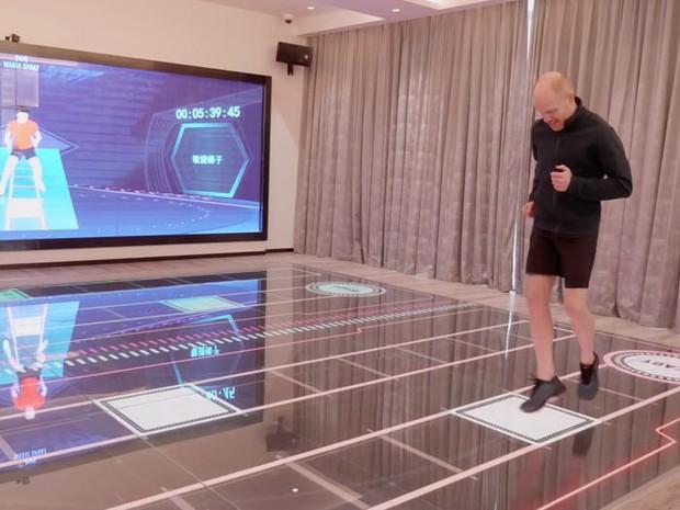 Ngợp mắt với khách sạn tương lai của ông trùm hàng đầu Trung Quốc, tràn ngập robot và công nghệ đầy nhà - Ảnh 17.