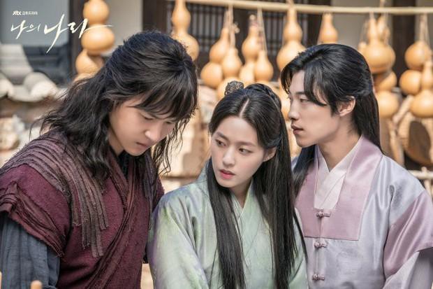 """""""My Country"""" mở đầu đẫm máu và nước mắt: Rất lâu mới thấy lại Hàn Quốc làm phim cổ trang đỉnh đến vậy! - Ảnh 5."""