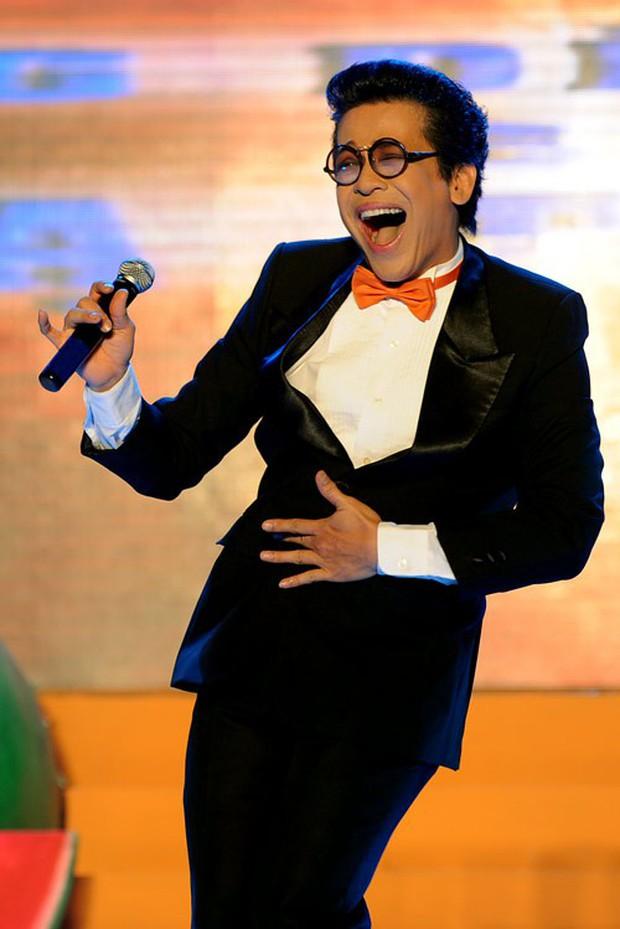 MC Thanh Bạch một thời làm bá chủ gameshow, lập cả kỷ lục Guinness trước khi bị vợ cũ Xuân Hương vén màn cuộc sống hôn nhân - Ảnh 3.