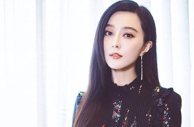 NSX Ba Thanh Truyện chính thức đá bay Phạm Băng Băng, móc túi chi gần 200 tỷ mời diễn viên mới quay lại - Ảnh 3.