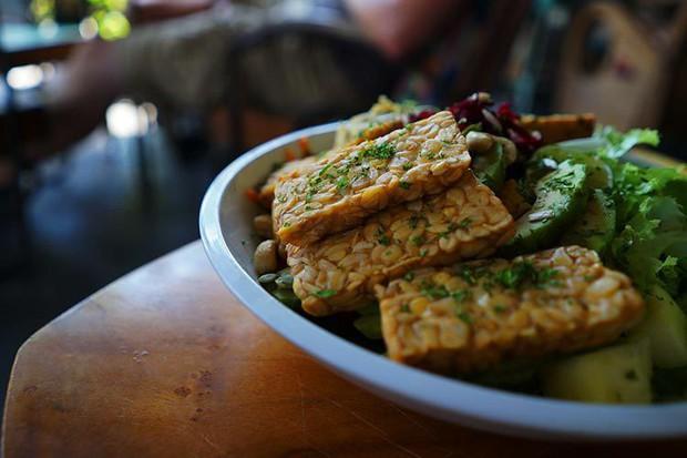 Chuyên gia chống lão hóa hàng đầu tại Mỹ tiết lộ những loại thực phẩm nên có mặt trên bàn ăn nhà bạn - Ảnh 4.