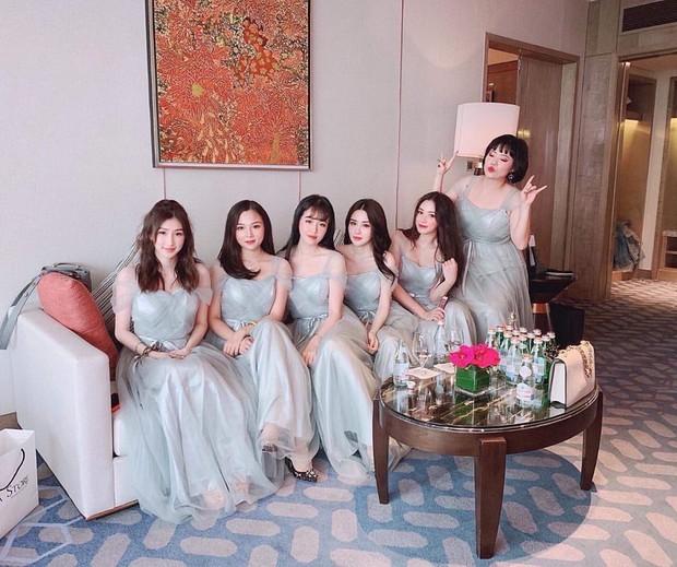 Lộ diện dàn phù dâu xinh ngất ngây trong đám cưới rich kid Claret Giang Lê, có người là bạn thân tới 9 năm - Ảnh 1.
