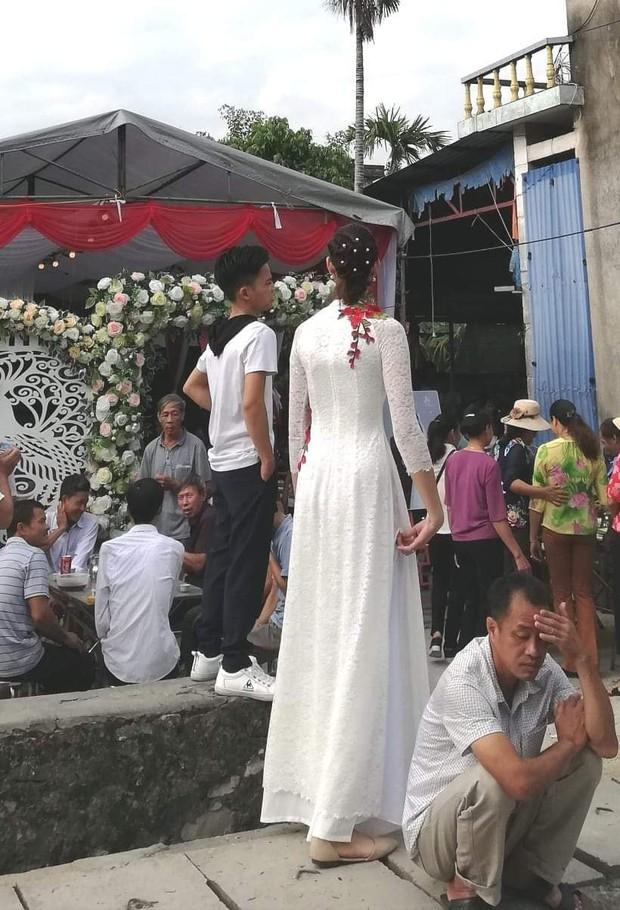 Xôn xao hình ảnh đ.ám cưới của chú rể Hải Phòng cao 1,4m với c.ô dâu 1,94m - Ảnh 5.