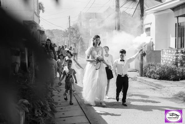 Xôn xao hình ảnh đ.ám cưới của chú rể Hải Phòng cao 1,4m với c.ô dâu 1,94m - Ảnh 3.