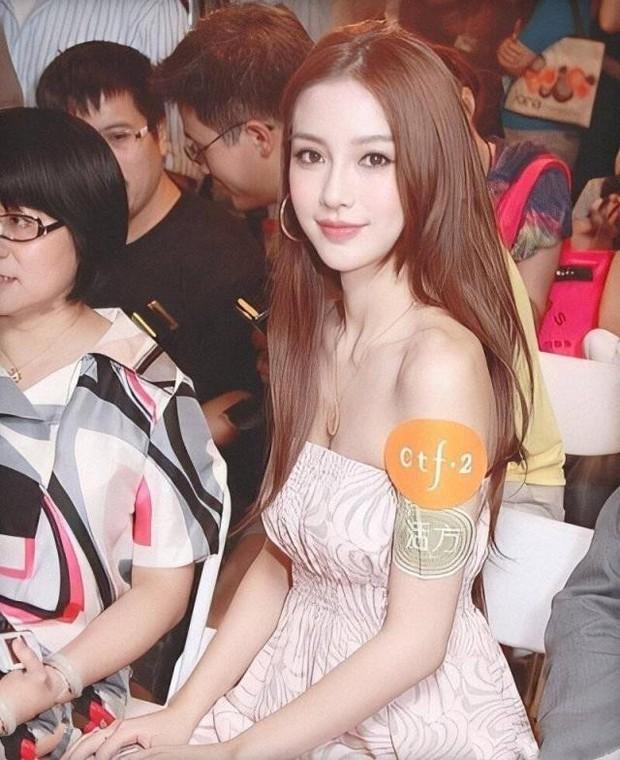 Soi nhan sắc ngày xưa của Angela Baby: Bảo sao khiến Huỳnh Hiểu Minh mê đắm, hứa nâng niu như công chúa cả đời - Ảnh 1.