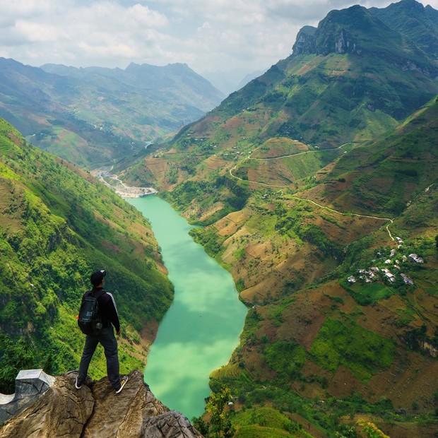 """""""60 năm cuộc đời"""" của chúng ta nhất định phải ghé thăm những """"tứ đại đỉnh đèo"""" này mới trọn vẹn ước mơ xê dịch! - Ảnh 6."""