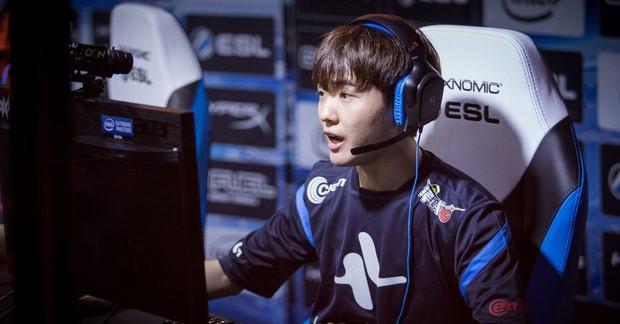 Ngất ngây với độ đẹp trai chuẩn soái ca của dàn game thủ 9X Hàn Quốc - Ảnh 27.