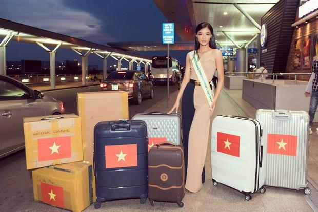 Vừa lên đường đến Venezuela thi Hoa hậu Hoà bình với 150 kg hành lý, Kiều Loan đã được gọi tên vào Top thí sinh nổi bật! - Ảnh 2.