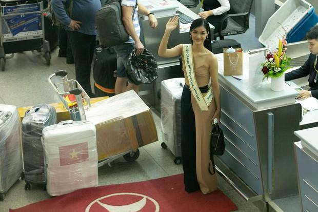 Vừa lên đường đến Venezuela thi Hoa hậu Hoà bình với 150 kg hành lý, Kiều Loan đã được gọi tên vào Top thí sinh nổi bật! - Ảnh 7.