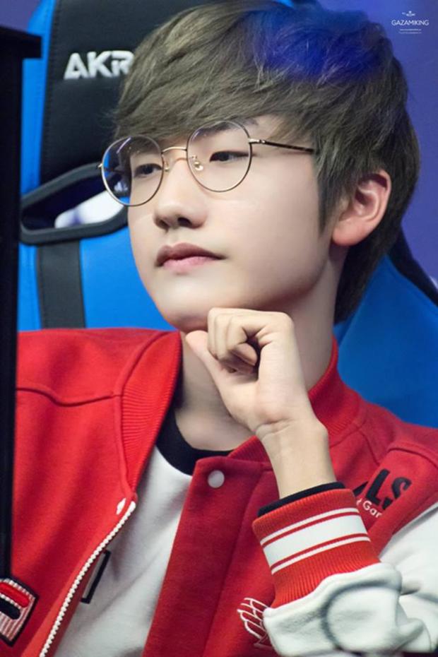 Ngất ngây với độ đẹp trai chuẩn soái ca của dàn game thủ 9X Hàn Quốc - Ảnh 7.