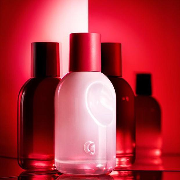Nếu mê nước hoa Santal 33 nhưng ngại giá chát, bạn phải hóng ngay 4 bản dupe mùi tương tự mà giá mềm hơn hẳn - Ảnh 3.