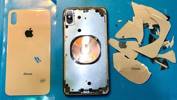 Tin vui: Chi phí thay iPhone 11 vỡ mặt lưng sẽ rẻ hơn đáng kể nhờ thiết bị bắn laser đặc biệt này - Ảnh 1.
