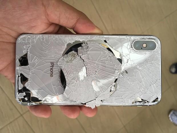 Tin vui: Chi phí thay iPhone 11 vỡ mặt lưng sẽ rẻ hơn đáng kể nhờ thiết bị bắn laser đặc biệt này - Ảnh 2.