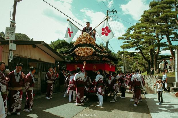 Thật tình cờ và thật bất ngờ: Đi du lịch Nhật Bản trái mùa, chàng travel blogger được trải nghiệm lễ hội đèn lồng hơn 350 tuổi tại Nihonmatsu - Ảnh 6.