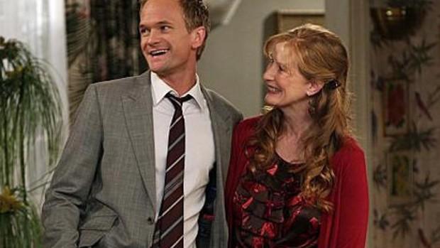 Xuất hiện giả thuyết gây sốc: Joker và Barney (Khi Bố Gặp Mẹ) là anh em cùng mẹ khác cha? - Ảnh 4.