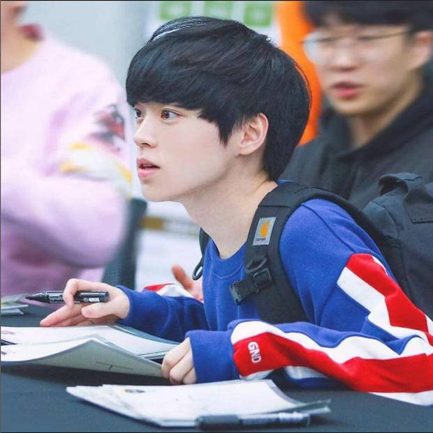 Ngất ngây với độ đẹp trai chuẩn soái ca của dàn game thủ 9X Hàn Quốc - Ảnh 15.