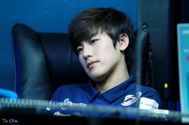 Ngất ngây với độ đẹp trai chuẩn soái ca của dàn game thủ 9X Hàn Quốc - Ảnh 25.