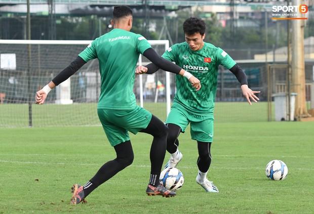 U22 Việt Nam đón chào sự trở lại quan trọng trước khi chốt danh sách tham dự trận đấu với U22 UAE  - Ảnh 7.