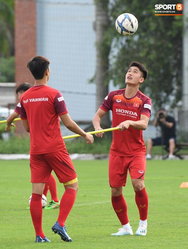 U22 Việt Nam đón chào sự trở lại quan trọng trước khi chốt danh sách tham dự trận đấu với U22 UAE  - Ảnh 4.