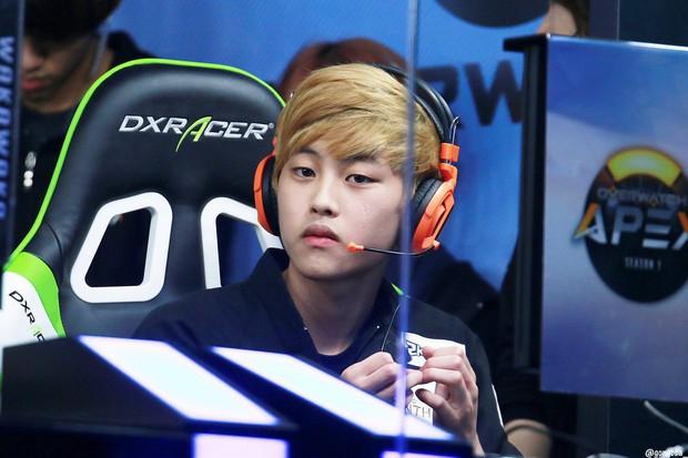 Ngất ngây với độ đẹp trai chuẩn soái ca của dàn game thủ 9X Hàn Quốc - Ảnh 5.