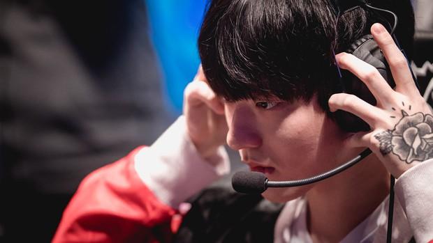 Ngất ngây với độ đẹp trai chuẩn soái ca của dàn game thủ 9X Hàn Quốc - Ảnh 20.