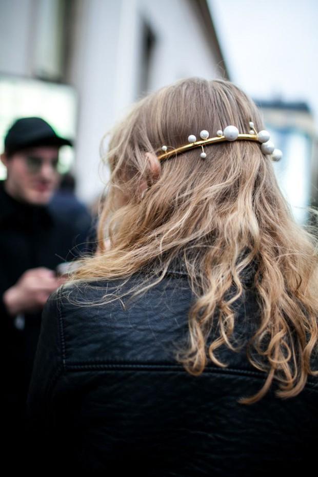 Để tóc đẹp hơn vài chân kính, bạn hãy làm theo lời khuyên từ các hairstylist tại Tuần lễ thời trang - Ảnh 3.