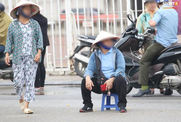 Phe vé ảm đạm, chợ vé online vẫn nhộn nhịp trước trận Việt Nam gặp Malaysia - Ảnh 3.