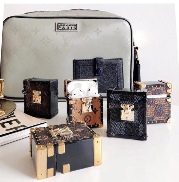 Louis Vuitton vừa giới thiệu hộp đựng AirPods xịn sò, dân tình tức tốc triệu hồi cô em trendy Khánh Linh vào mua - Ảnh 5.