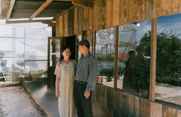 Chàng trai Hà Nội đưa bố mẹ đi du lịch Đà Lạt, nhân tiện làm luôn bộ ảnh vừa tình vừa thơ với lí do: Hồi trước các cụ cưới nhau không có ảnh tử tế! - Ảnh 3.
