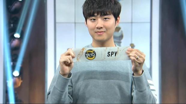 Ngắm trọn bộ nhan sắc Bang soái ca - Huyền thoại SKT T1, người được cộng đồng VCS gọi tên nhiều nhất hôm nay! - Ảnh 2.