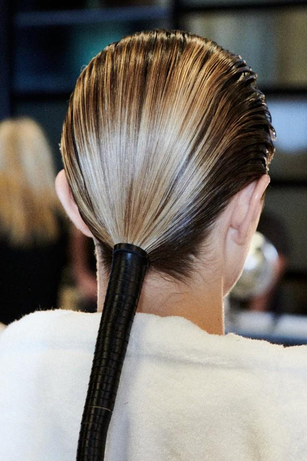 Để tóc đẹp hơn vài chân kính, bạn hãy làm theo lời khuyên từ các hairstylist tại Tuần lễ thời trang - Ảnh 7.