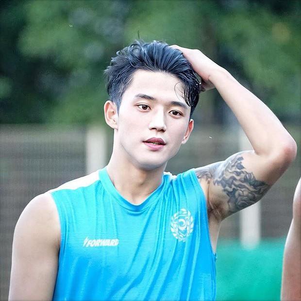 Netizen Việt rần rần vì đứa con hoàn hảo của Lucas (NCT) và Minho (SHINee), ai dè là nam thần sân cỏ thế hệ mới - Ảnh 2.