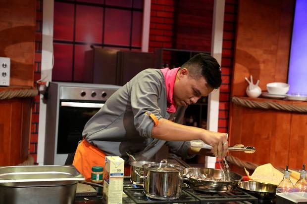 Top Chef Vietnam: Cãi lời đội trưởng, tự ý làm món mình thích, đầu bếp đành gói dao ra về! - Ảnh 4.