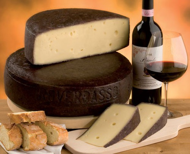 """Phô mai say rượu"""" màu tím lịm nổi tiếng nhất nước Ý: ăn vào liệu có """"chuếnh"""" hay không? - Ảnh 4."""