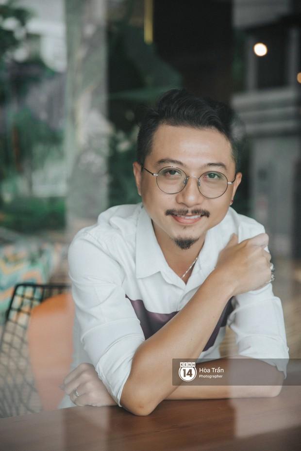 Hứa Minh Đạt ngỡ cầm nhầm kịch bản khi đóng Lũ (Tiếng Sét Trong Mưa), kể chuyện Cao Thái Hà sáng tạo cực mạnh cho cảnh cưỡng hiếp - Ảnh 1.