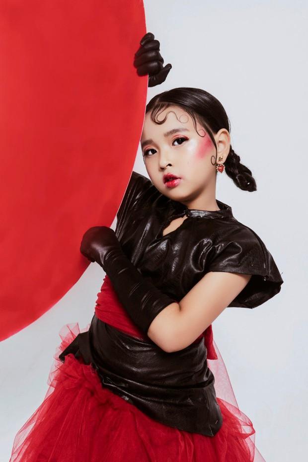 Ngỡ ngàng tạo hình ấn tượng của Top 30 Siêu Sao Mẫu Nhí VN Đan Nhi trong bộ ảnh màu sắc Á đông - Ảnh 2.