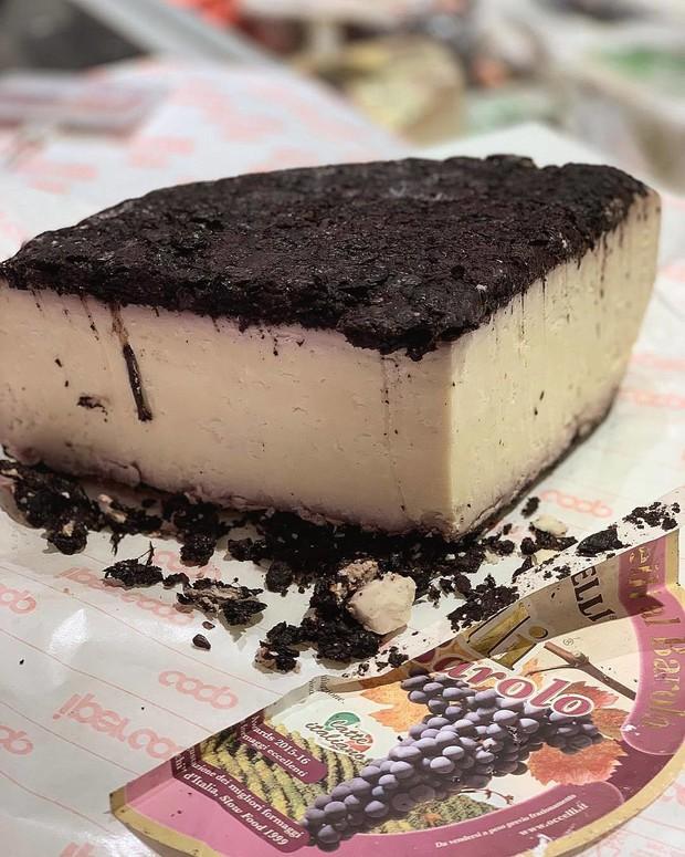 """Phô mai say rượu"""" màu tím lịm nổi tiếng nhất nước Ý: ăn vào liệu có """"chuếnh"""" hay không? - Ảnh 7."""