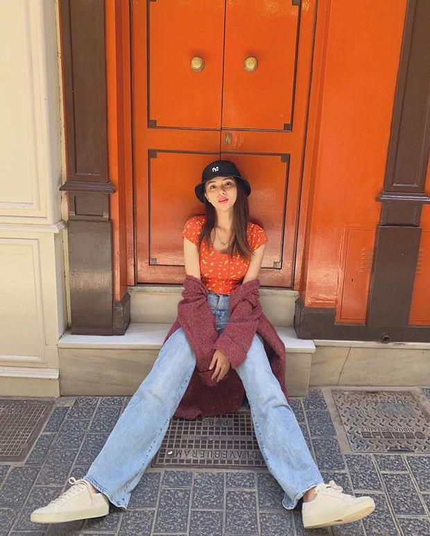 Học ngay 11 set đồ của Hoa hậu Hương Giang để mix quần jeans từ đơn giản đến cá tính - Ảnh 1.