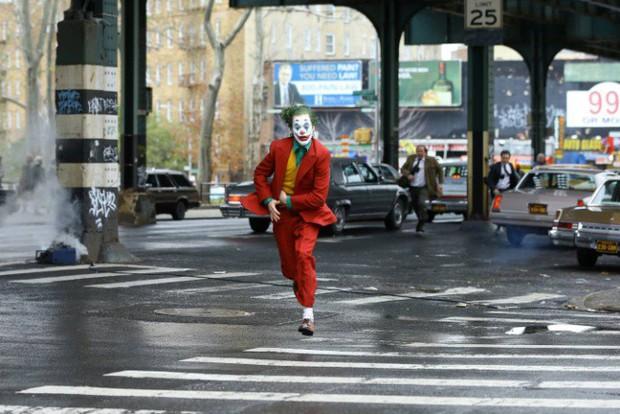 """7 câu hỏi """"hại não"""" về Gã Hề: Joker và Batman có phải hai anh em, Joker sát hại người tình? - Ảnh 2."""