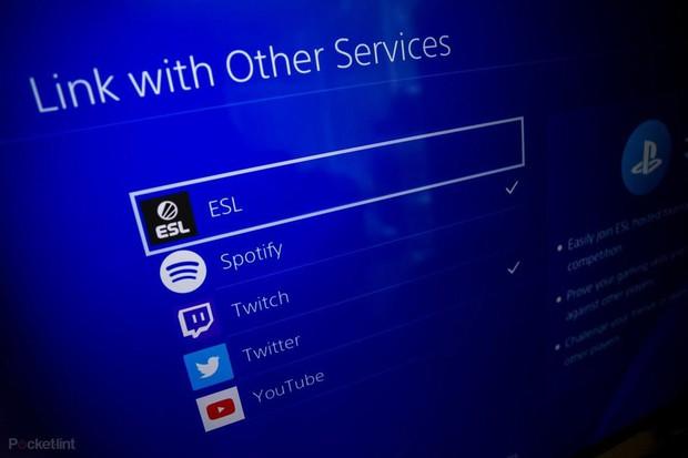 Chưa đạt thỏa thuận, Sony bỏ hỗ trợ chia sẻ lên Facebook trên máy chơi game Playstation 4 - Ảnh 1.