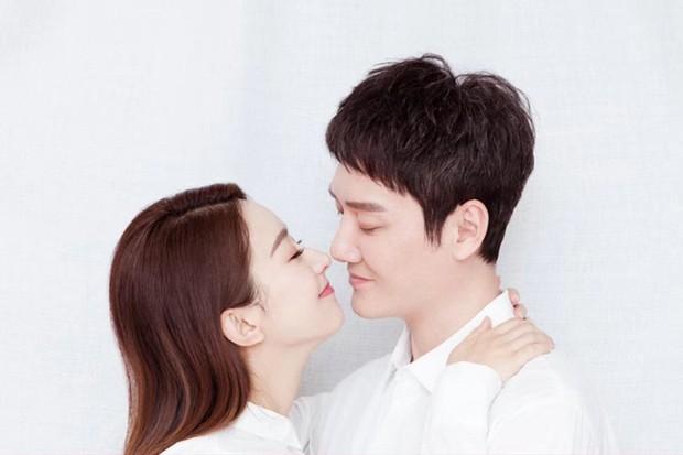 Blogger độc miệng số 1 Cbiz dự đoán Triệu Lệ Dĩnh - Phùng Thiệu Phong trước năm 2023 sẽ ly hôn với 1 lời hứa - Ảnh 1.
