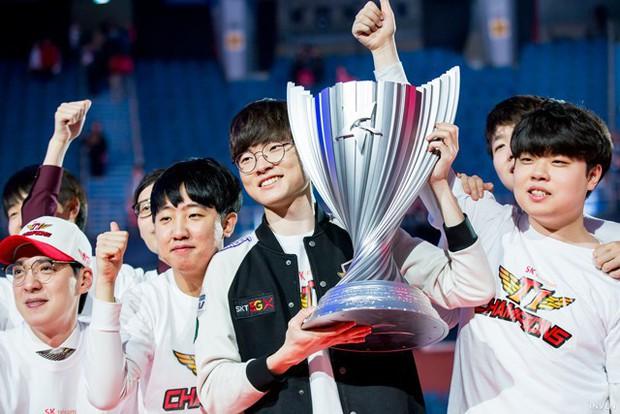 Sau LMHT và Dota2, SKT T1 lập đội tuyển mới ở bộ môn Fortnite - Tựa game ăn khách nhất toàn cầu hiện nay! - Ảnh 1.