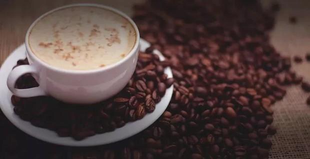 Không những giúp giảm cân, ngăn ngừa mắc bệnh tim mạch, kéo dài tuổi thọ, uống cà phê còn rất có lợi cho đường tiêu hóa - Ảnh 3.