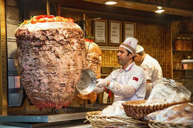 11 món ăn đường phố phổ biến nhất ở mỗi quốc gia, người địa phương nuốt mãi không chán còn du khách thì… hên xui - Ảnh 11.