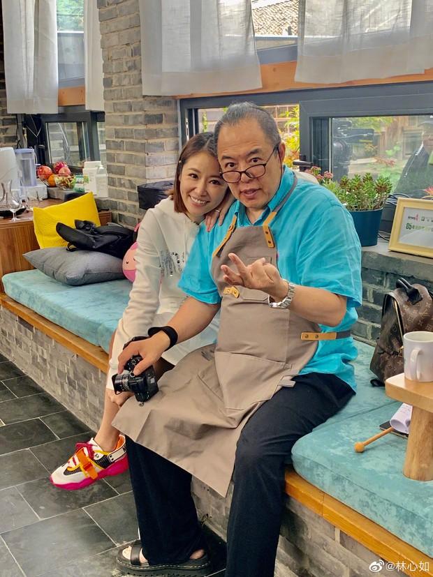 Lâm Tâm Như gợi nhớ cả bầu trời tuổi thơ khi khoe ảnh chụp chung ngọt ngào với ông bố màn ảnh siêu đặc biệt - Ảnh 2.