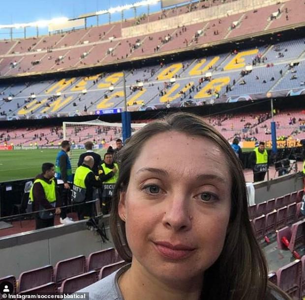 Cô gái Mỹ từ bỏ công việc đã làm 10 năm để đi khắp thế giới xem bóng đá - Ảnh 1.