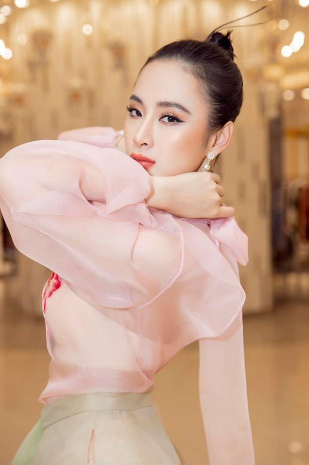 Đụng áo xuyên thấu: Angela Phương Trinh sexy, lúng liếng khác hẳn vẻ trong trẻo của đàn chị Phạm Quỳnh Anh - Ảnh 5.